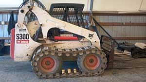 Bobcat S300 With Tracks **